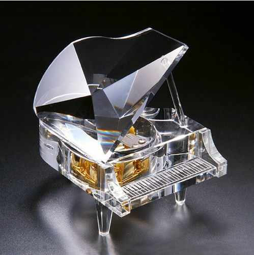 Piano music box artificial crystal polishing and casting technology music box pastoral crystal music box gift 011
