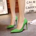 2017 Primavera Marca Mujeres Bombas de Charol Señaló zapatos de tacón alto Zapatos de Las Mujeres de Plata Verde Thin Altos Talones XP35