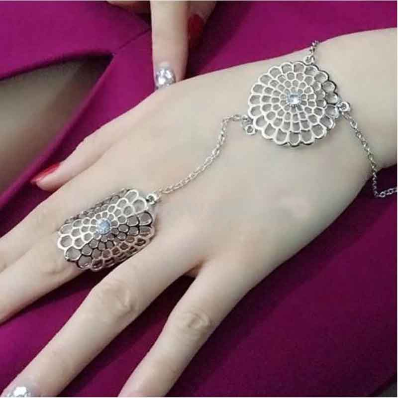 Women Slave Bracelets Chain Link Interweave Finger Hand Harness Bracelet Hollow Flower Crystal