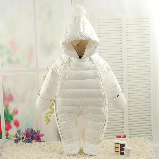 2016 de invierno pato blanco abajo mamelucos del bebé de invierno de dibujos animados bebé mamelucos del bebé recién nacido ropa infantil con capucha de invierno traje para la nieve