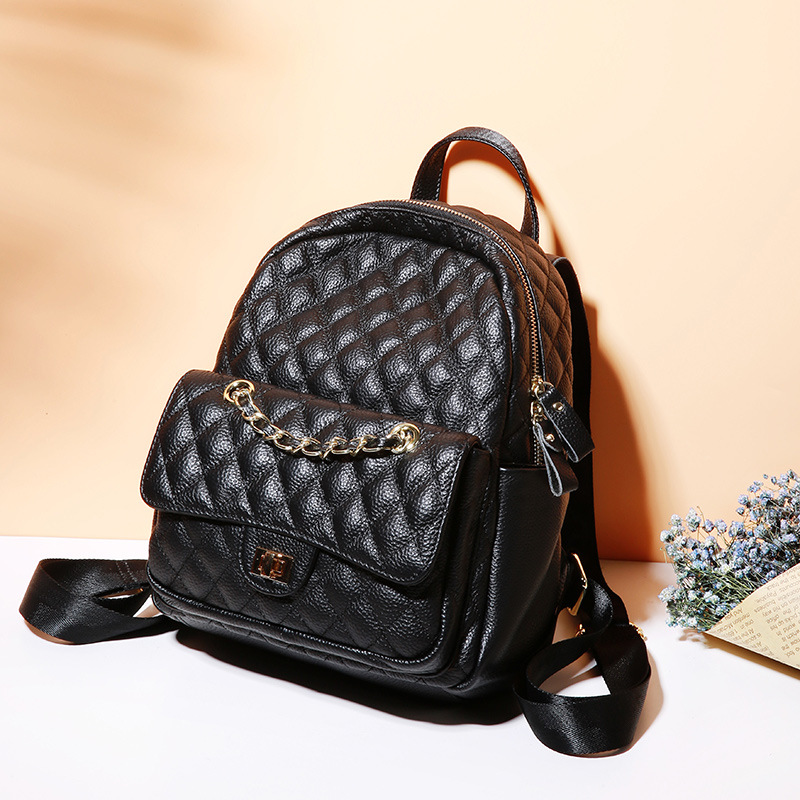 New Korean version of the small leather scented rhombic shoulder bag Leisure tide leather decorative chain travel bag Street fas 2017 new fashion leather backpack female korean version of the street stream simple leisure travel bag bag shoulder bag leather