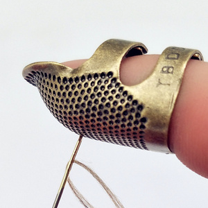 1PC Retro Handworking Sewing Thimble Finger Protector Needlework Metal Brass Sewing Thimble DIY Sewing Tools Accessories(China)