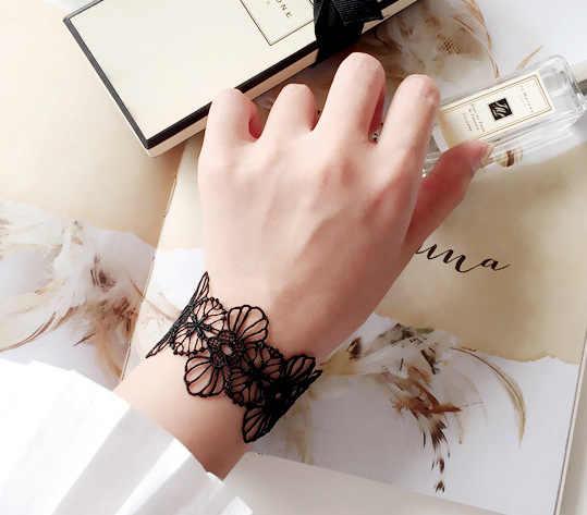 ホワイトブラックレースチョーカーネックレス女性ファッションパンクゴシックチョーカー手作りネック花ビーズペンダントレースネックレス
