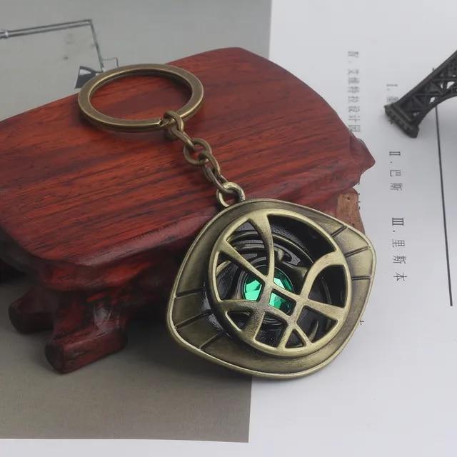 RJ New Movies Doctor Strange Keychains Pendants Avenger 3 Dr.Strange Steve Green Crystal Agamotto Eye Choker Keyring Men Jewelry