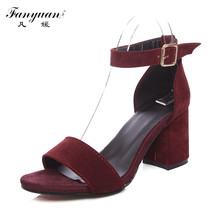 Fanyuan Venta Caliente 2017 Las Mujeres de Talla Grande Sandalias Flock Elegante zapatos de Correa Del Tobillo de La Vendimia Cuadrada Talón Grueso Bombas de Partido Atractivo sandalia
