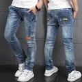 Crianças Meninos Denim calças de Brim Novo Design 2017 Moda Primavera Sólido Elástico Na Cintura Calças de Algodão Casuais Solta Calças Roupa Dos Miúdos Quentes