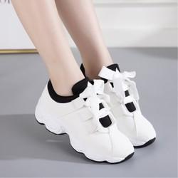 Arsmundi 2018 New Winter Women Sneakers Suede Casual Shoes Women White Platform Sneakers Woman Vulcanize Shoe Chaussures Femme