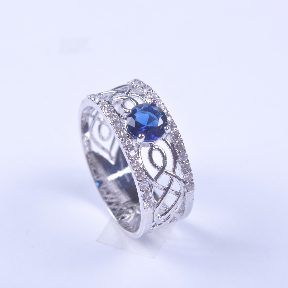 2018 925 Sterling Silver Engagement Ring Vintage Jewelry Dazzling Blue Crystal Hollow Women Wide Band Fashion Retro Ring