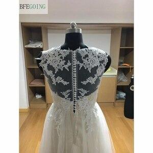 Image 4 - Ngà Tulle V Cổ Tầng Dài A Line Wedding dresses Chapel Train Không Tay Bridal Gown Custom made