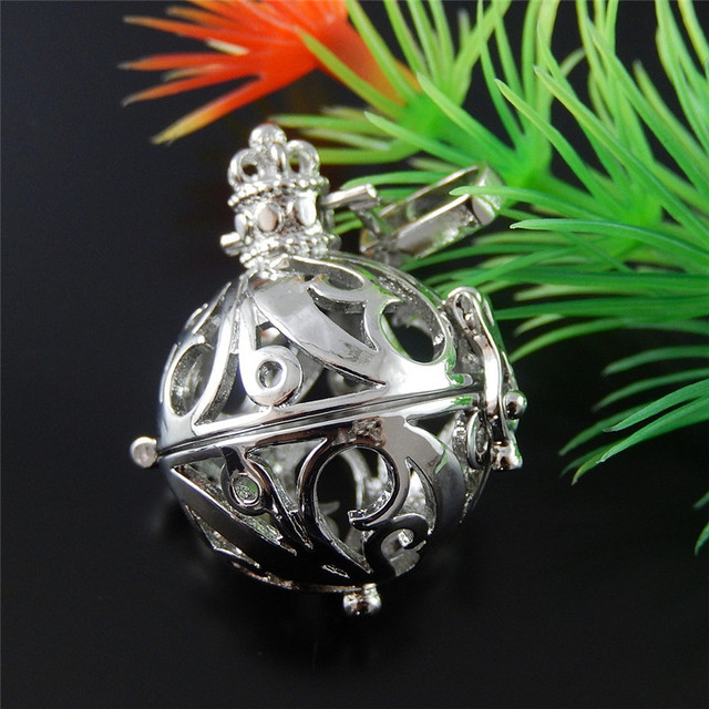 1PC Tibetan Metal Round Wish Box Essential Oil Diffuse Jewelry