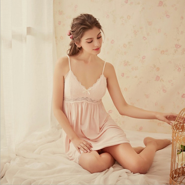 2018 New women nightgowns sexy V-neck white pink color with lace romance style sleep dress top quality wellmade for ladies