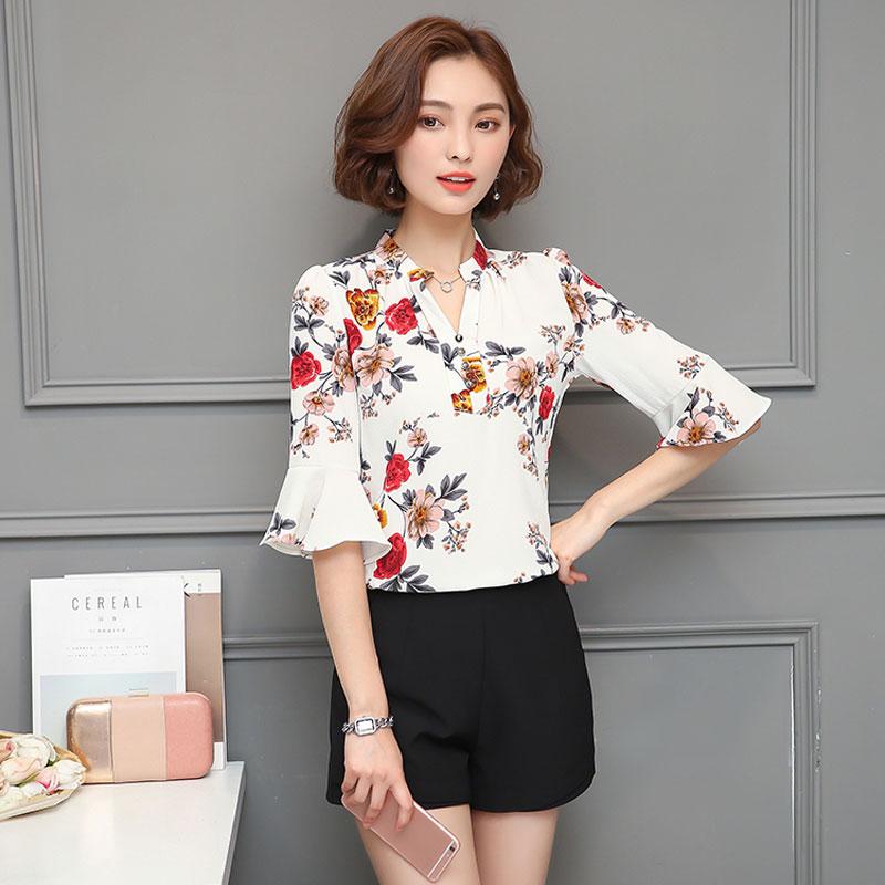 3ac23b00e70 2018 Autumn Floral Chiffon Blouse Women Tops Flare Sleeve Shirt Women  Ladies Office Blouse Korean Fashion
