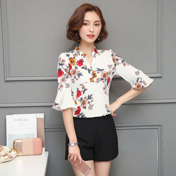 2018 Autumn Floral Chiffon Blouse Women Tops Flare Sleeve Shirt Women Ladies Office Blouse Korean Fashion Blusas Chemise Femme 1