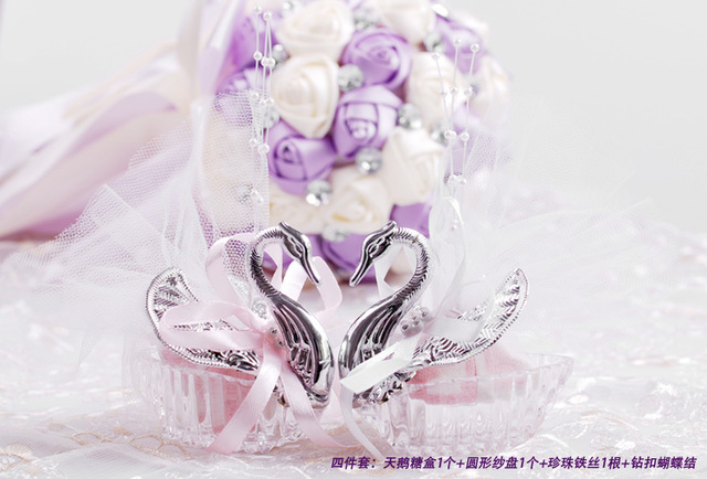 New Wholesale Wedding Party Supplies Christmas Valentines Celebration Gift Elegant Romantic Swan Candy Box Favours Decoration