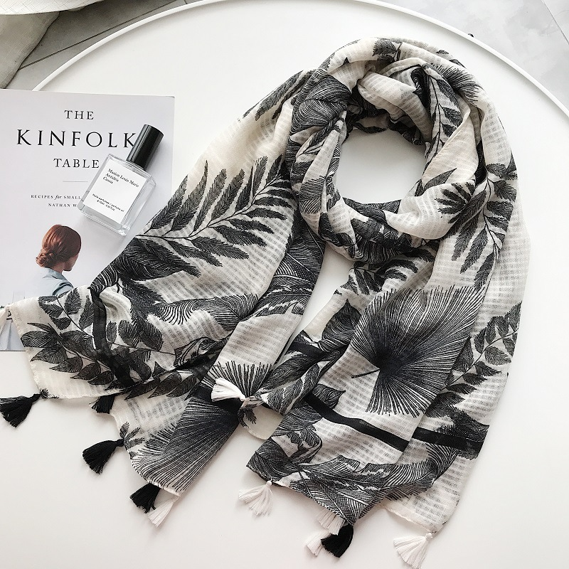 2018 New Ombre Leaf Pattern Tassel   Scarf   Shawls Women Leaves Print   Scarves     Wrap   Muffler Hijab Wholesale 10pcs/lot Free Shipping