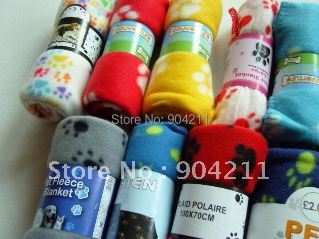 2016 on sale soft pet bed blanket dog carpet dog woolen blanket 3 sizes free shipping gifts