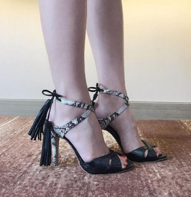 2017 Summer New Fashion Snakeskin Leather Lace Up Women Open Toe Sandals Sexy Blue Suede Leather Ladies Fringe High Heels summer new fashion cross tied lace up straps women black leather sandals sexy open toe zipper back chunky heel sandals