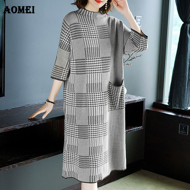a7db8549b4 Women Winter Knitting Dresses Plaid Warm Patchwork Crochet O Neck Loose  Retro Classy Tricot Inverno Sweater