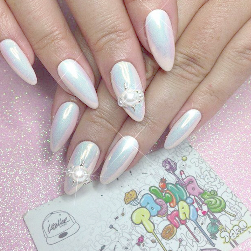 Iridescent Chrome Nails | Best Nail Designs 2018