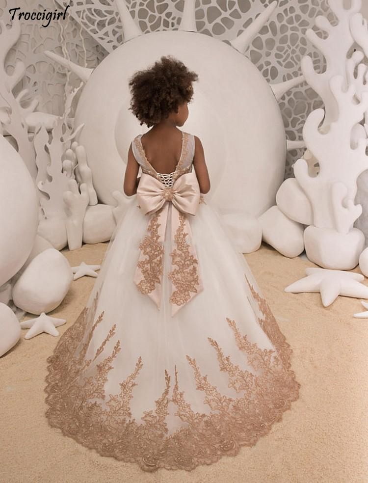 Vintage Iovry Flower Girls Dresses 2018 Sheer Neck Appliques Tulle Backless Bow Princess Children Party Dresses Sweep in Flower Girl Dresses from Weddings Events