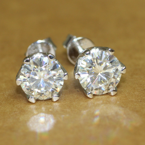 18K 750 White Gold 2CT Lab Grown Diamond Earrings