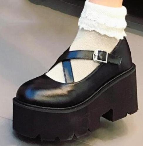 Retro Womens Round Toe Wedge Heel Platform Creepers Buckle Lolita Shoes Gothic Black Girls Hot Sale japanese gothic lolita cosplay ankle t strap shoes medium platform heel round toe girls shoes with wing red black