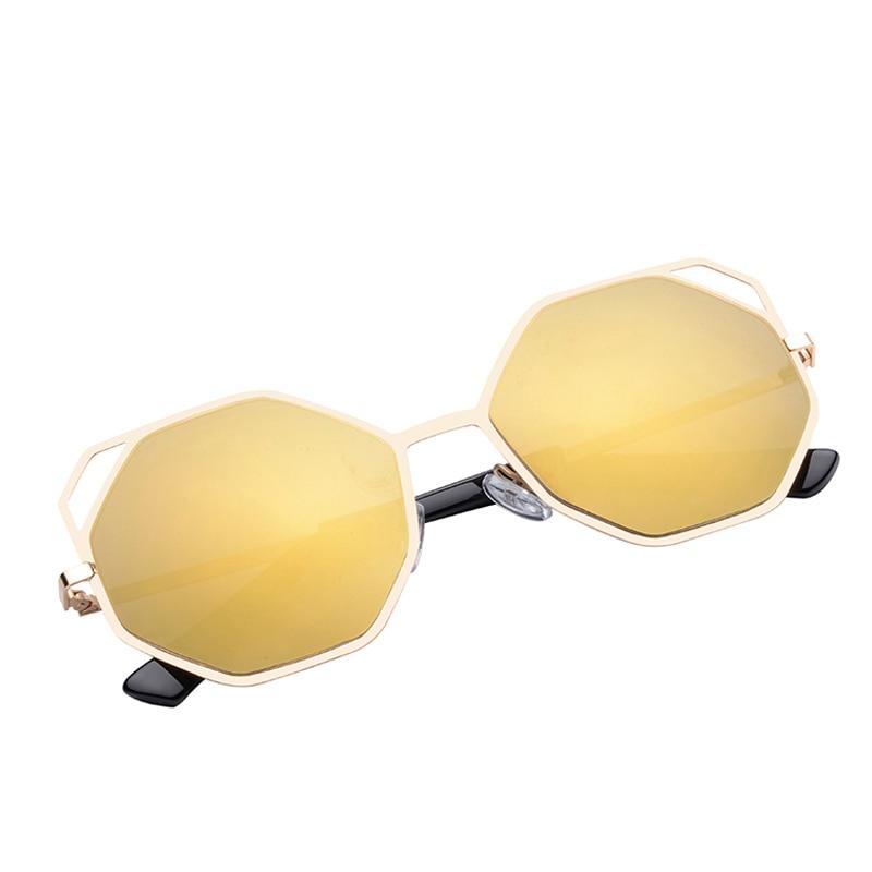 Itens em Liquidação Homens Óculos de Sol Das Mulheres Designer De Marca  Escavar Óculos De Sol Oversized Cat Eye óculos de Sol Baratos da China  apenas 1 7f5a517641