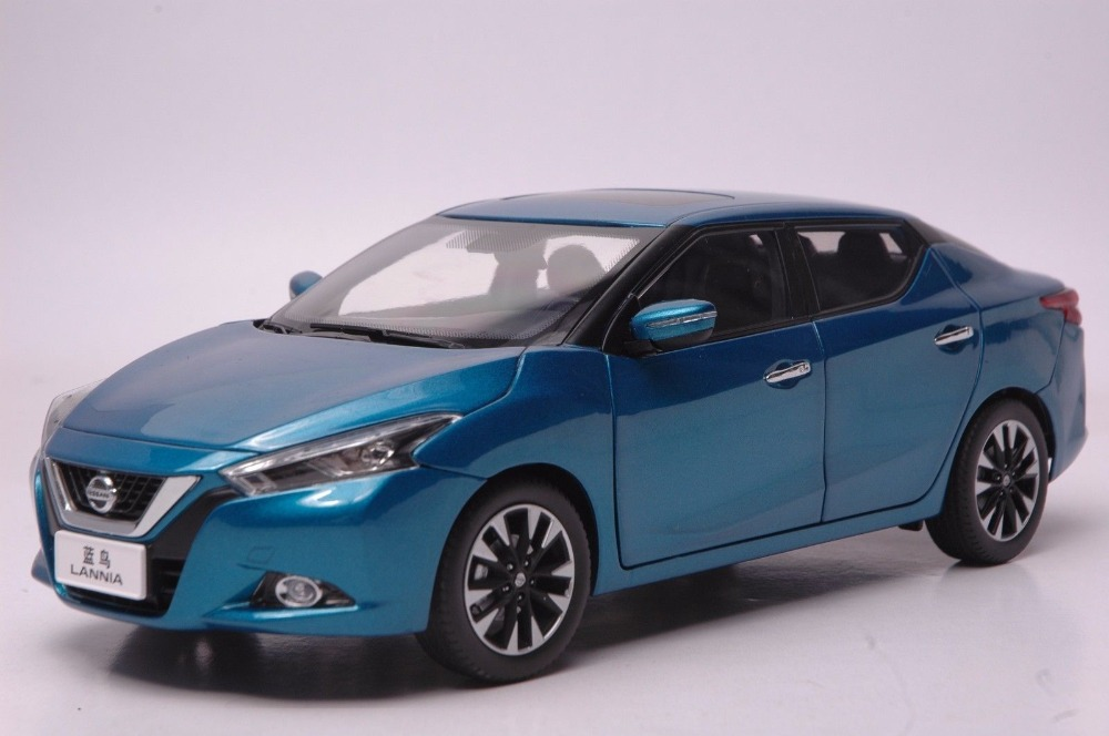 1:18 Diecast Model for Nissan Lannia 2015 Blue Alloy Toy Car Collection Gifts Blue Bird 1 18 scale diecast model car for nissan livina green alloy toy car collection gifts