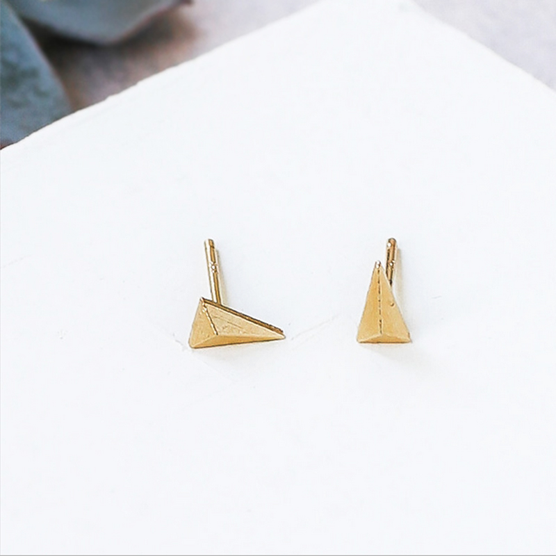 10Pairs Tiny Solid Long Triangle Earrigs Studs Copper Material Punk Style Spike Earings For Men Women Summer Fashion Jewelry
