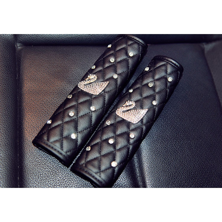 2018 car styling Shoulder Pads Cover Protector PU Leahter Auto Sheath Safety Seatbelts Shoulder Pads Comfortable Harness in Seat Belts Padding from Automobiles Motorcycles