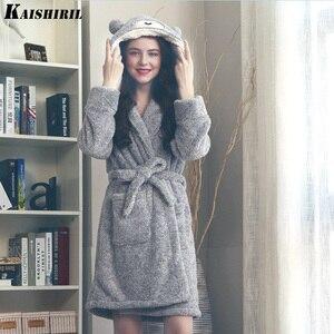 Image 2 - Frauen Winter Warm Flanell Bad Robe Frauen Lange Handtuch Bademantel Frauen Dressing Kleid Weibliche Nette Bär Kimono Nachtwäsche Braut Robe