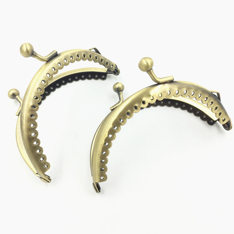 1Pc Kiss Clasps Buckle Lock Purse Bag Handbag Handle Bronze Tone Ruffled Metal Arch Frame Crafts Making Findings 8.5cm