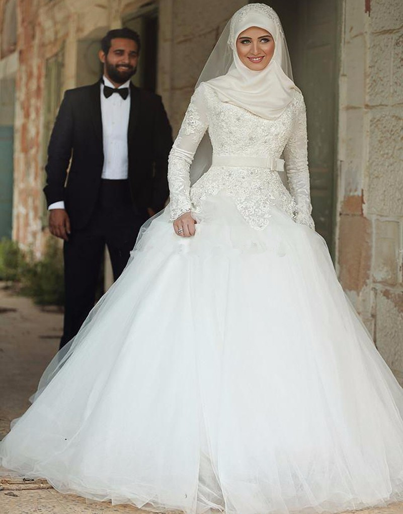 Vintage High Neck Long Sleeves Wedding Dresses 2019 Lace With