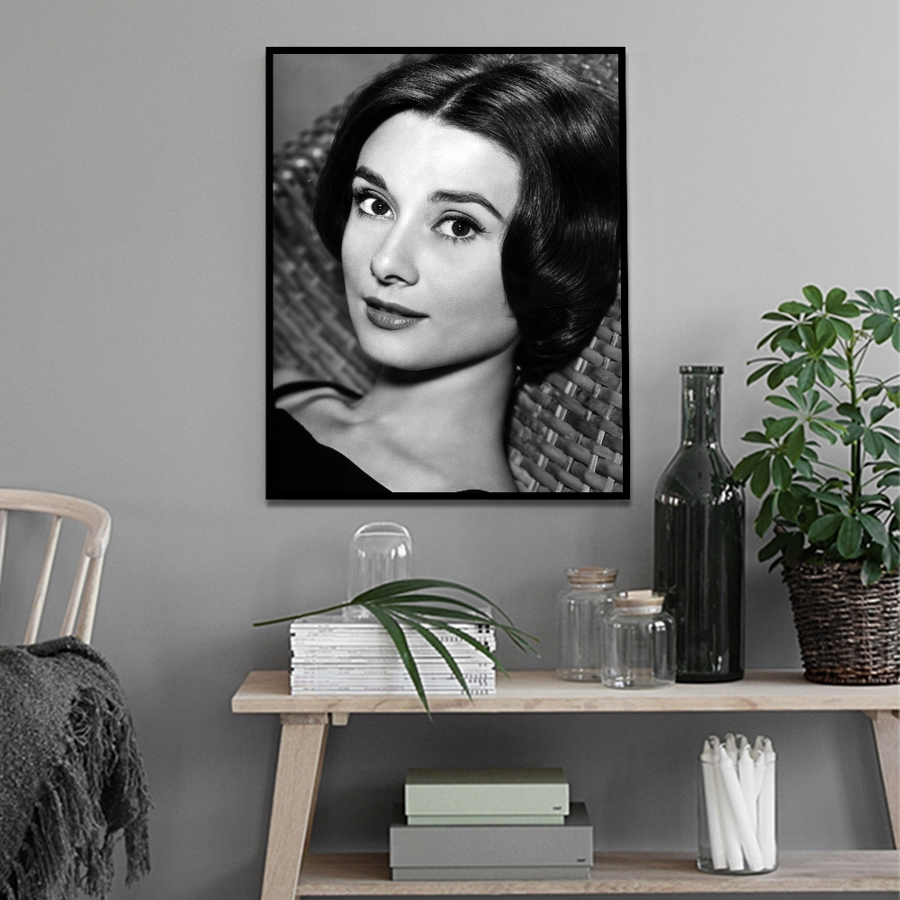 Unframed Classic Black And White Painting Canvas Print Audrey Hepburn Painting Posters Wall Picture For Living Room Home Decor