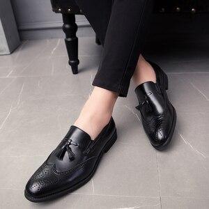 Image 1 - 男性靴のファッションでスタッズリベットローファードレス男性ブローグパーティー除草カジュアルシューズビッグサイズ 48 l4