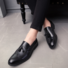 Men tassel Shoes fashion Casual Slip On Studded Rivet Loafers dress Male brogue Party Weeding Casual Shoes big size 48 L4