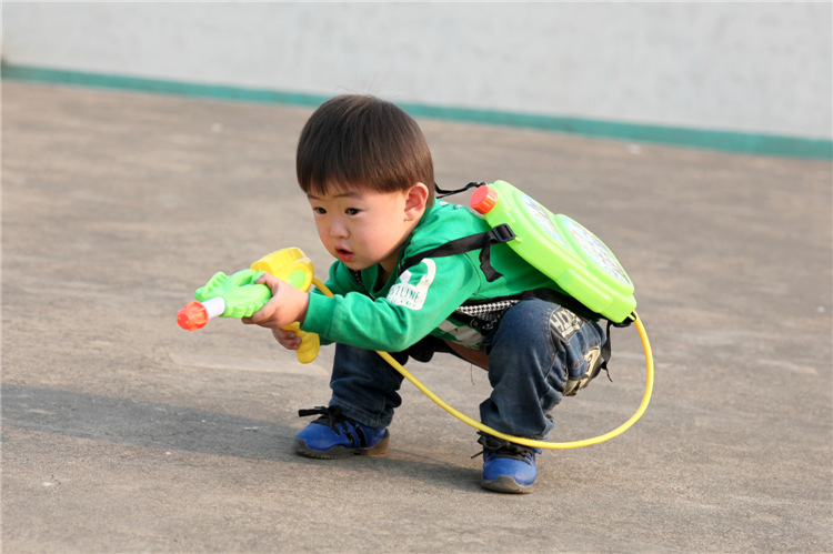 Hot sale new Creative Backpack type Water gun toys Pistol Boy kids toys Summer toys Kids