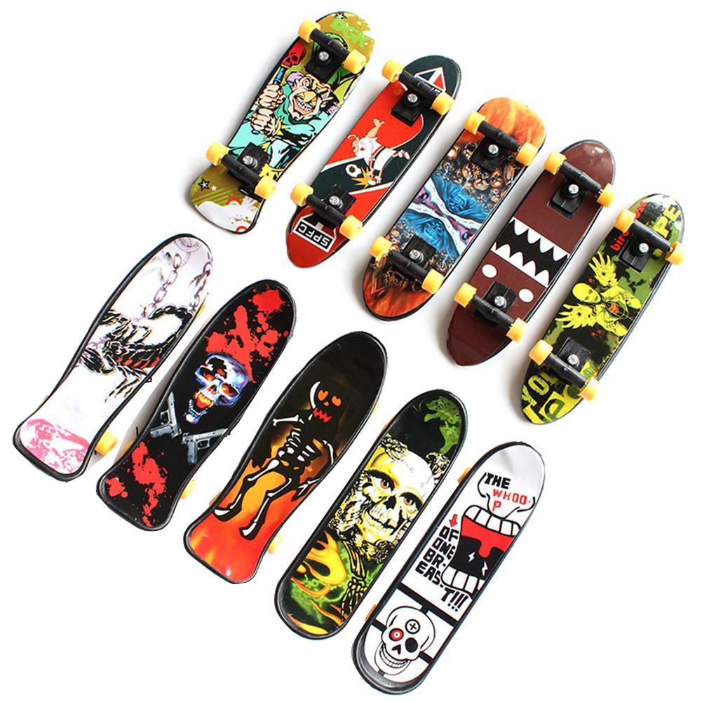 Mini Finger Skateboard Kids Puzzle Creative Toy Fingertip Movement Mini Finger Skateboard Alloy Skateboarding Toy Random Color