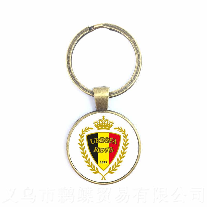 بلجيكا/ألمانيا/الدنمارك/بولندا/آيسلندا فريق كرة القدم الوطني شعار سلسلة مفاتيح بشكل كرة قدم حلقة حامل المشجعين هدية تذكارية