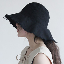 Rebarbas de chapéu das mulheres balde chapéus de verão de algodão sólidos  férias boné de pano chapéu de sol Plissado macio praia. c2c783e5b6b