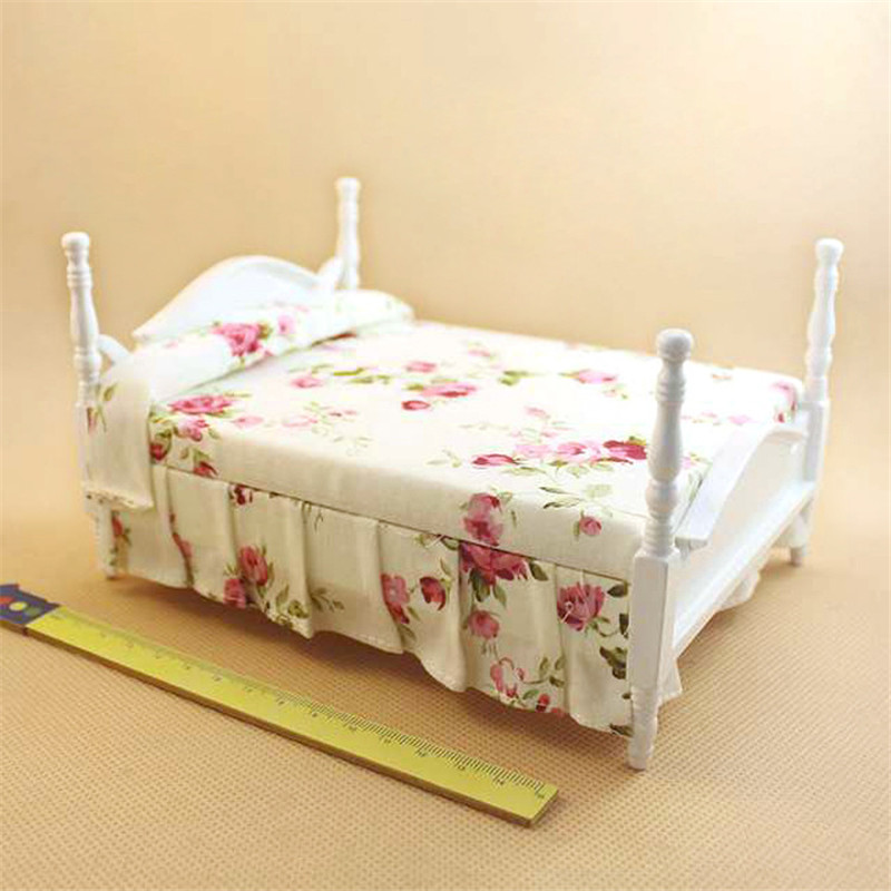 Girls Kids Childrens Wooden Nursery Bedroom Furniture Toy: 1pcs 1/12 Dollhouse White Bed Wooden Furniture Toy