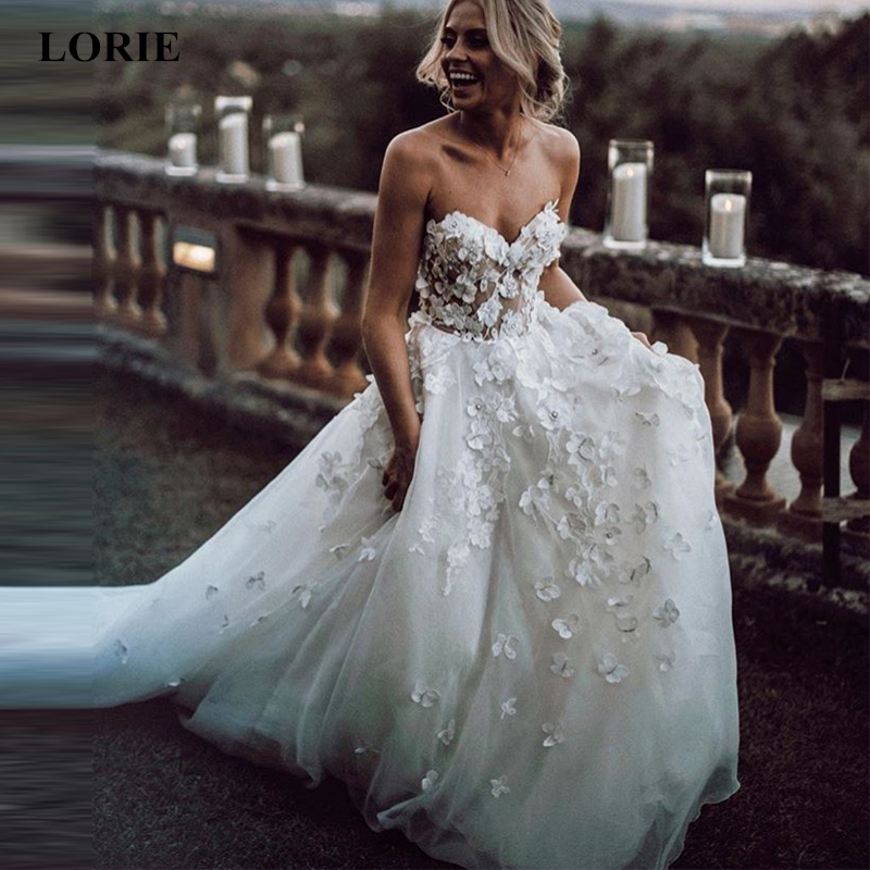 LORIE Boho Wedding Dress 2019 Appliqued With 3D Flowers Tiered Tulle Skirt A-Line Beach Bride Dress White Vestido De Noiva