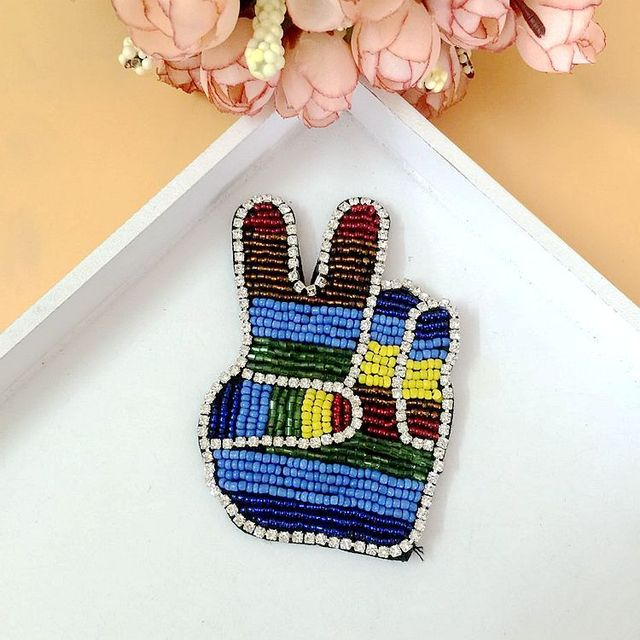 1 pcs Victory hand Patch for Clothes Sewing on Rhinestone Beaded Applique  for Jackets Jeans Bags Shoes Beading Sequins Applique fbce5a1ff599