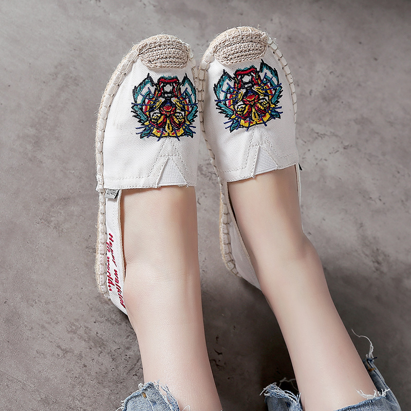 все цены на YTracyGold Embroidery Casual Shoes For Women Canvas Shoes Loafers Knit Ladies Shoes Espadrilles Sweet Women Flats Zapatos mujer