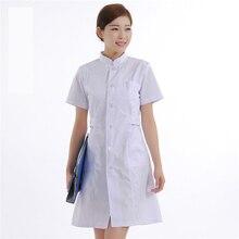 acc5a7db8 الأزياء الوقوف الياقة صيدلية المستشفى ممرضة موحدة معطف المختبر الطبي الصيف  ملابس العمل قصيرة الأكمام قمم