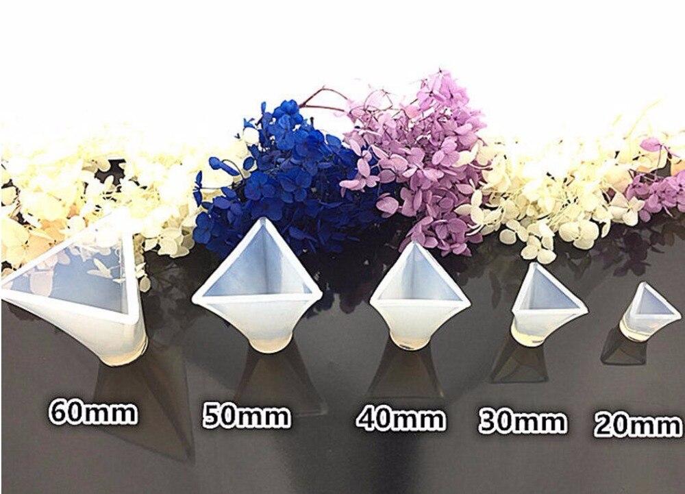 5pcs/set 20 60mm 3D Triangular Pyramid Cabochon Silicon