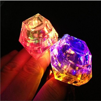 100pcs/lot LED toys Crystal Diamond Finger Ring Square Shaped Flashing Light Glow up  Toy for Club Bar and Xmas Party Supplies