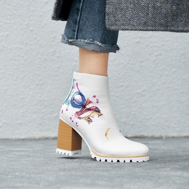 3e3776a9afa 2019 Fashionable Graffiti Printing White Leather Boots Block Heel Platform  Zipper Ankle Boots Designer Shoes Women