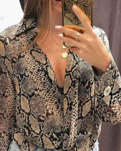 女性のスネークプリント長袖ターンダウンコロールルーズトップシャツレディースカジュアルボタンブラウス