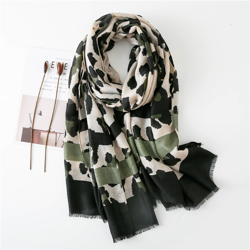 2019 Autumn Winter Sexy Leopard Striped Fringes Viscose Shawl Scarf Women High Quality Neckerchief Foulards Muslim Hijab Sjaal
